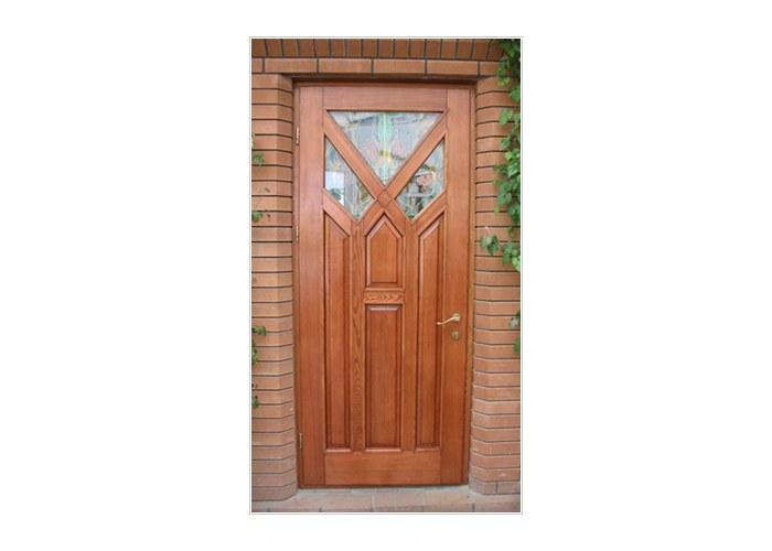цена на двери входные из дерева